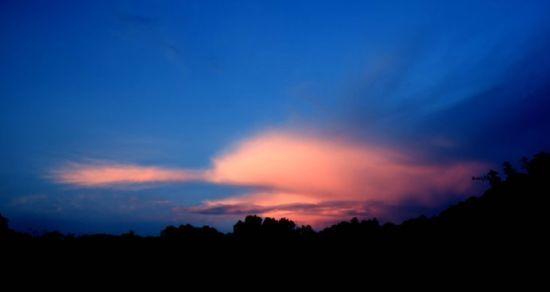 美丽的八寨沟日出