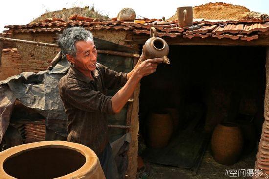 摄影纪实古窑烧制的憾人景观西窑头陶艺