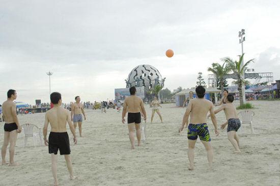 沙滩排球 图:北海手机报 新浪微博