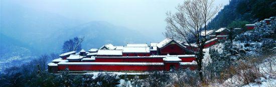 新浪旅游配图:武当山 图片来自:@武当山旅游局官方微博