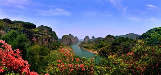 如何游玩江西鹰潭龙虎山风景区?