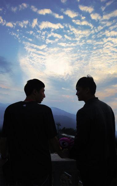 九宫山呼唤好基友 毕业季创意大片惹围观 _新浪旅游