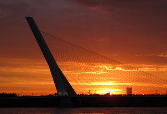 太阳桥 图片源自网络