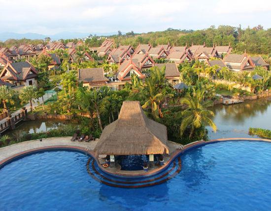 中奥戴斯温泉度假酒店是泰式雨林主题风格的酒店,从一进入大堂的那