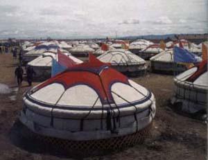 蒙古包:草原上的温馨小屋