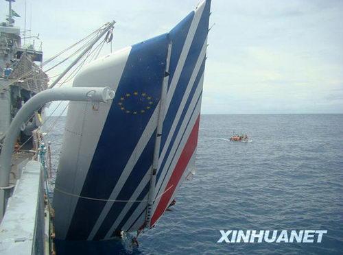 巴西打捞出41具法航失事客机遇难者遗体(图)