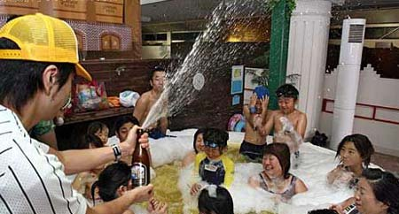 日本另类温泉大盘点:啤酒温泉(组图)