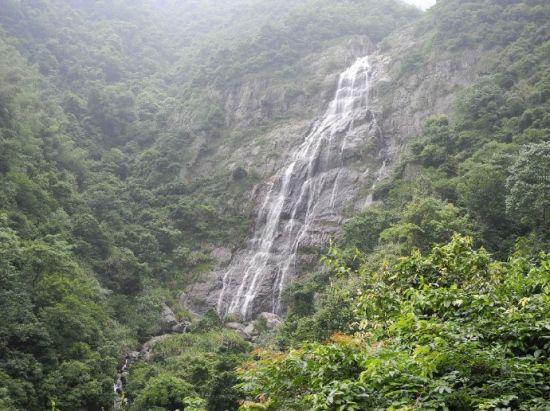 风景区内的瀑布