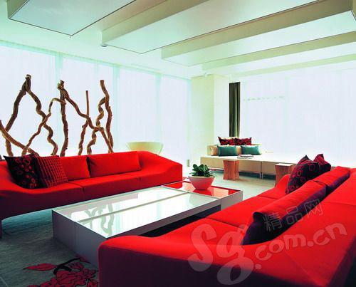 诺大的观景台是W-Hotel必备的设计