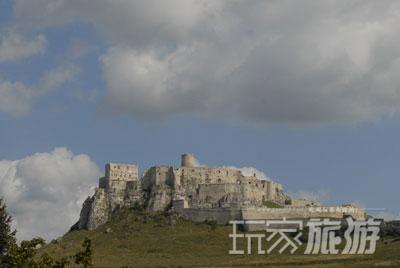 斯皮思城堡是中欧中世纪最大的城堡,其历史可追溯到公元1113年。