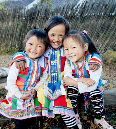 水城村 傈僳族女孩子.