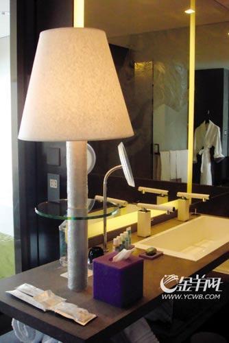 星级酒店虽价格较贵,但环境舒适,各种日用品一应俱全。