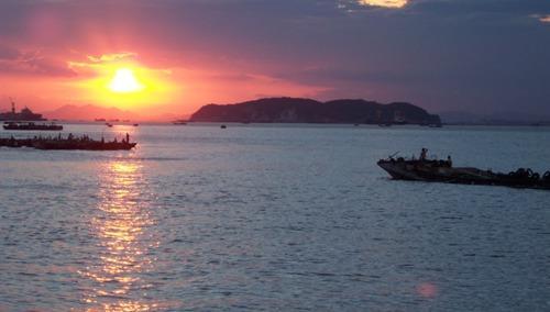 火山岛自然生态风景区位于台湾海峡西岸,与厦门岛毗邻的福建省漳浦