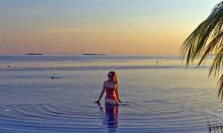 马尔代夫 两人的世界牵手看日落