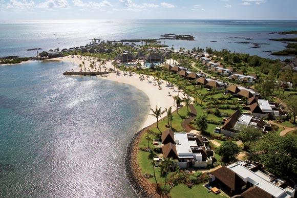 与岛上的一些度假村不同,这个球场毫不突兀,而是同其他设施融为一体