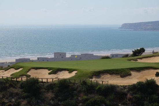 阿加迪尔塔泽革佐特高尔夫球场面朝美丽的大西洋