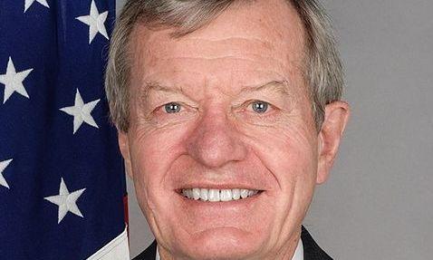 3月20日,美国新任驻华大使麦克斯・鲍可斯(Max Baucus)走马上任,接替华裔前任骆家辉。