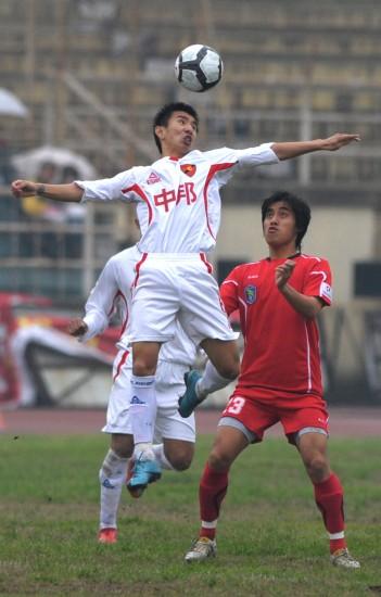 图文-[中甲]安徽九方2-1上海中邦高高跃起头球