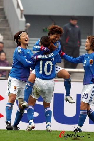图文-[东亚四强赛]中国女足vs日本 日本女足庆祝