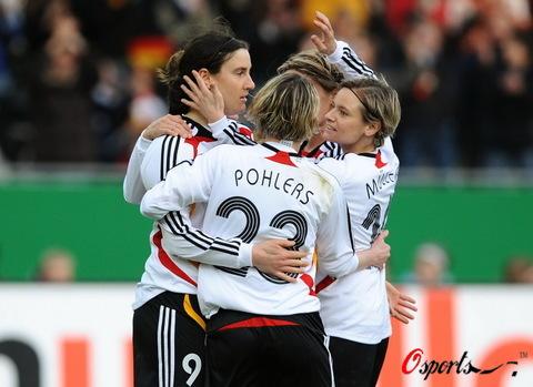 图文-[女足热身赛]女足0-2德国德国战车依旧强大