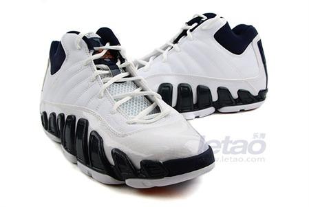 男子篮球鞋场上款