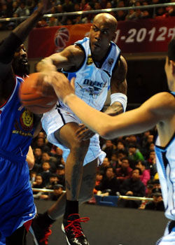 北京赛季得分新高胜天津陈磊复出17分老马准三双