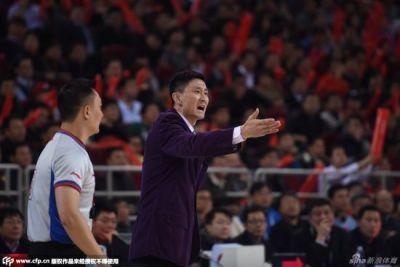复出!杜锋身披18号战袍 将战广东篮球联赛
