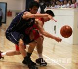 图文-[CBA夏季联赛]东莞119-75辽宁争夺边线球