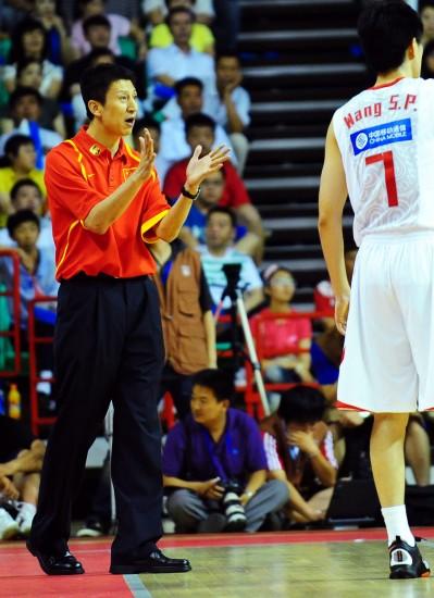 图文:―中国男篮战胜澳大利亚男篮