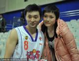 刘炜和娇妻合影