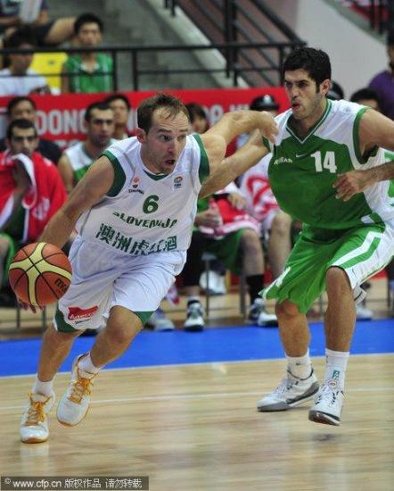 图文-[斯杯]斯洛文尼亚VS伊朗巴赫拉米防守