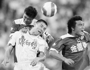 佐里奇曾在天津康师傅踢球,是位不折不扣的猛将。