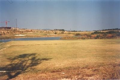 高桥秀树见证新中国最先动工的高尔夫球场