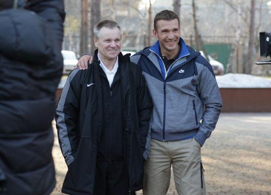 安德烈•舍甫琴科与耐克携手为翻修一新的社区球场和室内体育馆揭幕