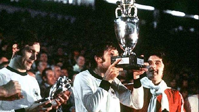 欧洲杯历届史话:1976年--帕年卡成捷克斯洛伐克英雄