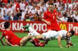图文-[欧洲杯]捷克1-3葡萄牙小小罗被对手放倒