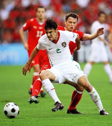 图文-[欧洲杯]捷克VS葡萄牙别想从他脚下抢球