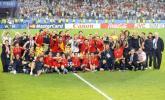 图文-西班牙队夺得欧洲杯冠军西班牙全体成员合影