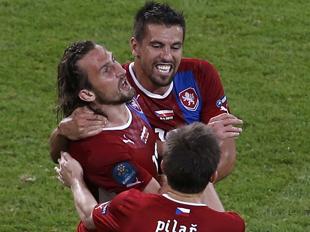 捷克1-0绝杀波兰头名出线