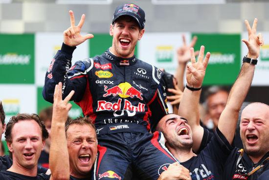 塞巴斯蒂安-维特尔终于成了最年轻的F1三冠王