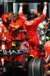 图文-F1法国大奖赛排位赛KIMI一挥一举好似慢镜头