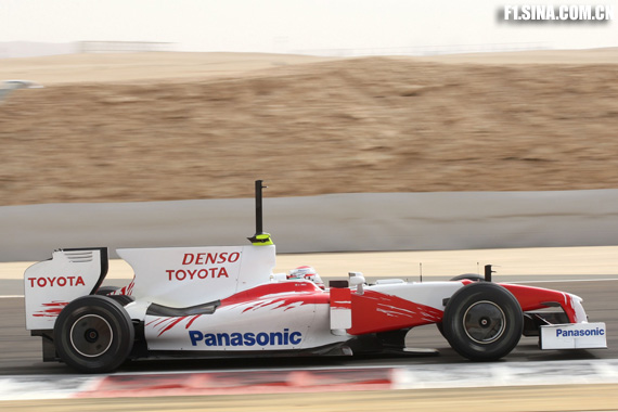 图文-F1巴林试车首日特鲁利跑了141圈之多