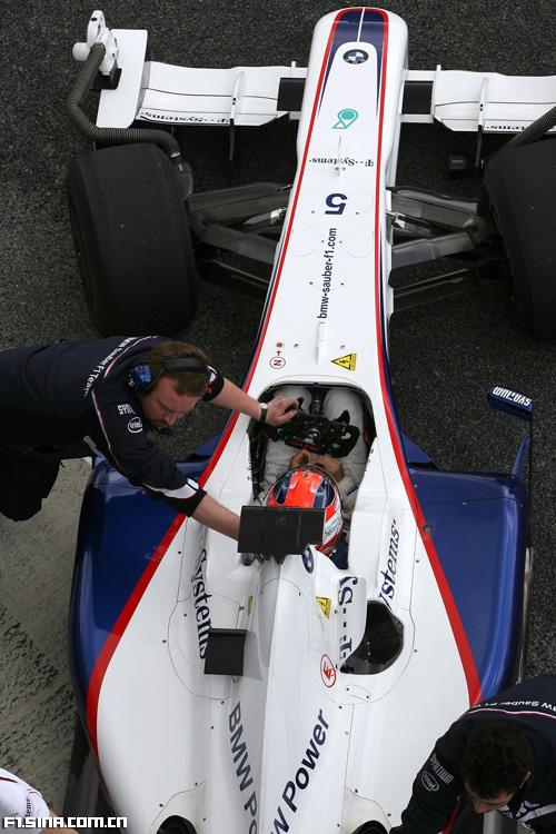 图文-F1赫雷兹试车第三日俯瞰宝马-索伯F1.09车头结构