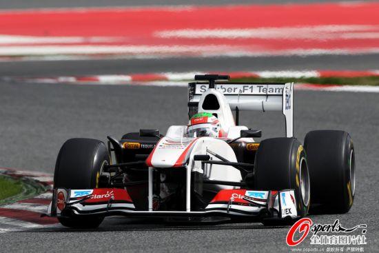 图文-F1巴塞罗那试车第一日 宝马-索伯车队试车