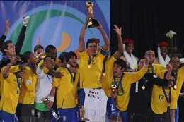 联合会杯-射手王梅开二度巴西连扳3球擒美国夺冠