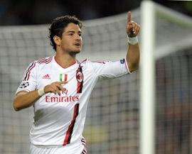 欧冠-帕托24秒闪击梅西助攻巴萨补时失球2-2米兰