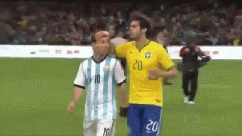 阿根廷媒体称梅西赛后拒绝跟卡卡换球衣