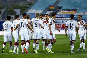 欧预赛-小猪失点许尔勒3球厄齐尔3传德国7-0