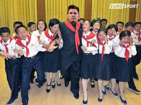 网友PS梅西访问朝鲜照片
