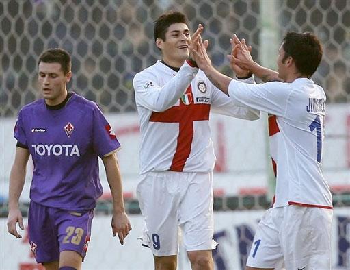 图文-[意甲]佛罗伦萨0-2国米二人合力豪取紫百合